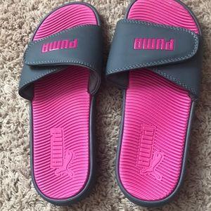 Puma Gray/pink slides size 8